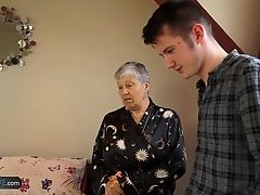Granny Savana fucked with really hard big stick