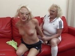 Blond mom hardens younger slut