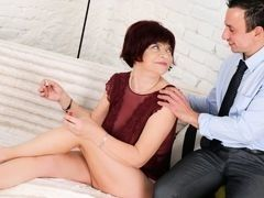Young man fucks mature brunette