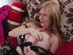 Busty mature slut fingers the cherry on chamber
