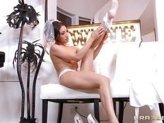 Latin the bride was fucked during massage