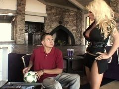 Blond mom was drilled with the stepson